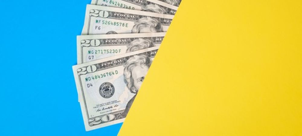4 Reasons to Save Money in Your Business Now